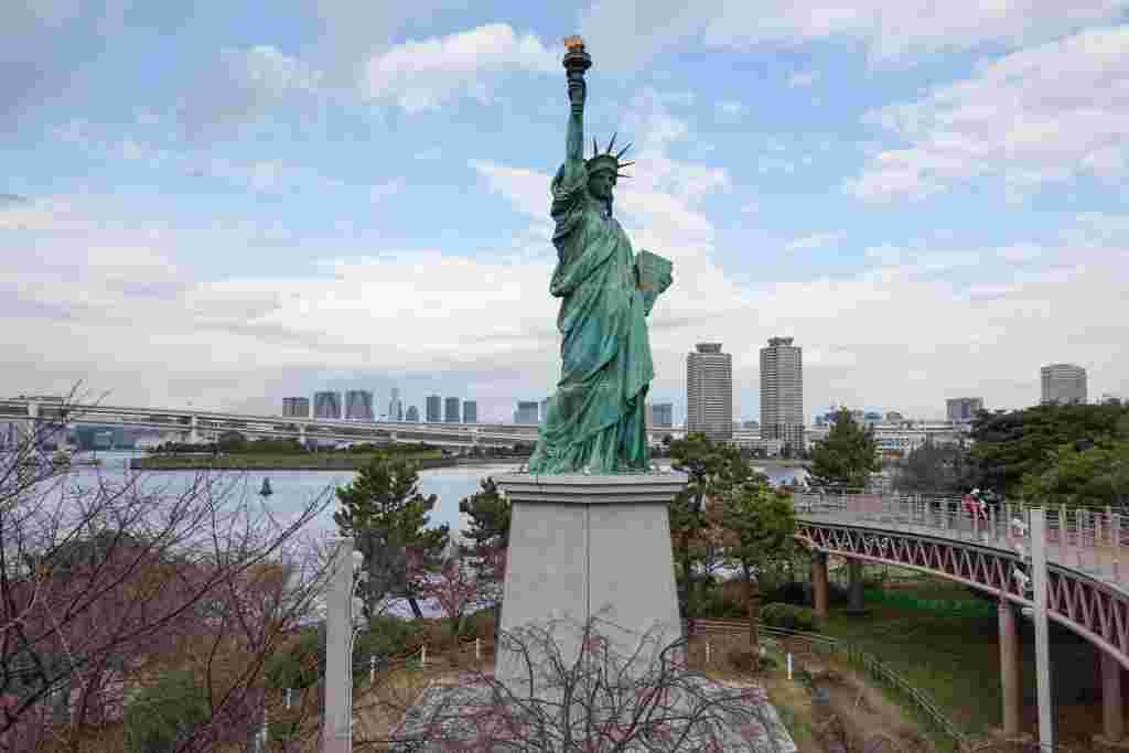 自由の女神像(台場)